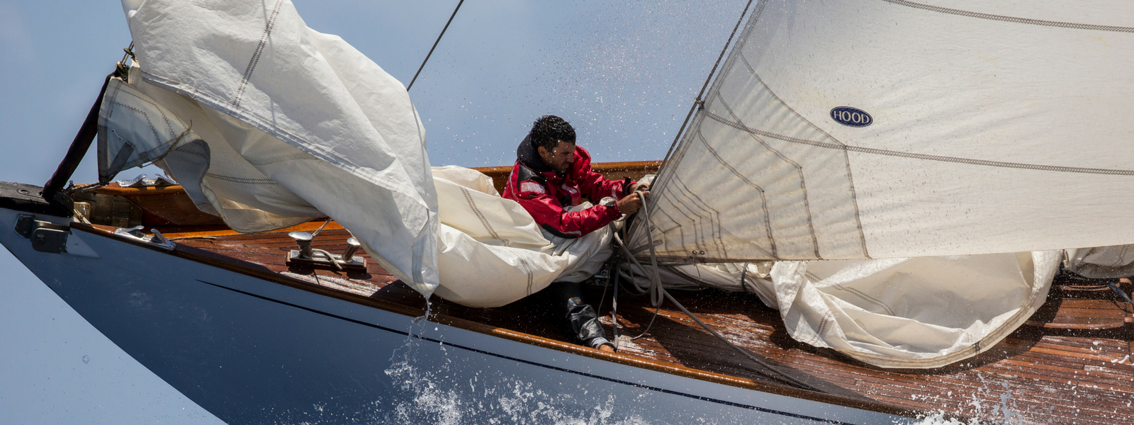 How to choose the correct headsail for your sailboat